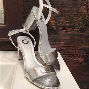 Guess Silver Block Heeled Strappy Shoe SZ 10.5